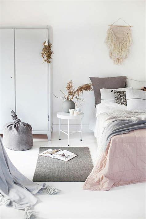 chambre grise et blanche chambre pale et blanche design de maison