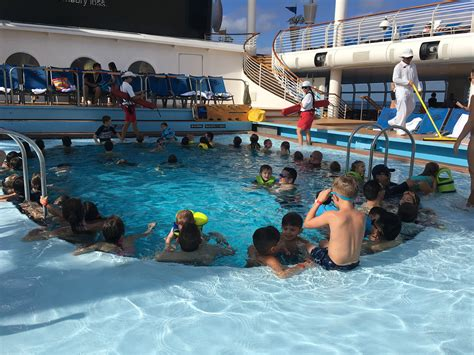how to avoid crowds on disney cruise line miles for family