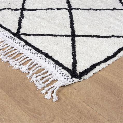 tapis de sol blanc 1000 id 233 es sur le th 232 me tapis blanc noir sur tapis blanc tapis et tapis 192 chevrons