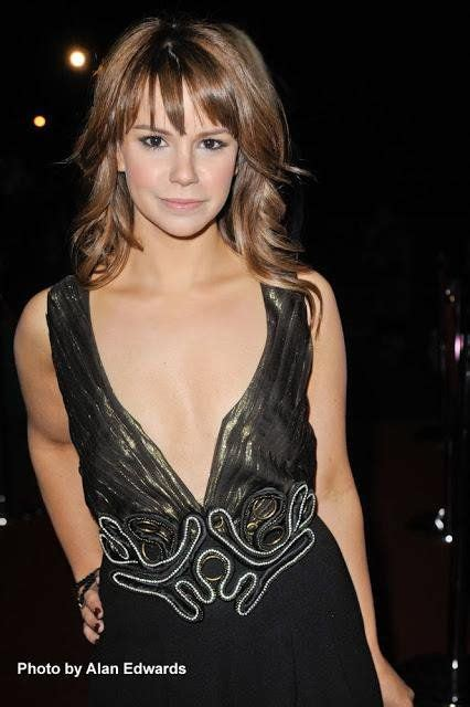 jessica actress hollyoaks jessica fox www pixshark images galleries with a bite
