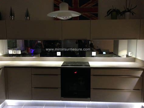 credence pour cuisine grise crédence miroir sur mesure pour votre cuisine