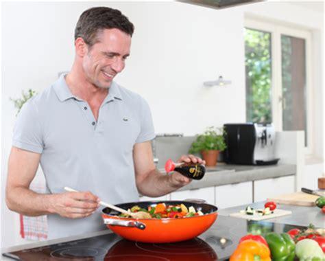 cuisiner avec un cuisiner au wok kikkoman