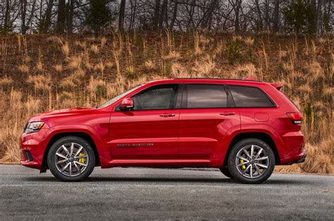 trackhawk jeep cherokee 2018 jeep grand cherokee trackhawk pricing announced