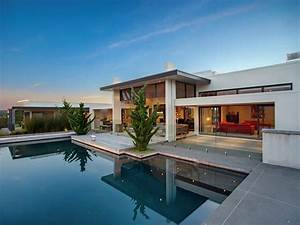 Contemporary Home in the Hills