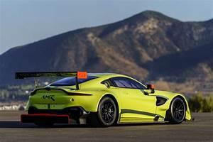 Nouvelle Aston Martin : nouvelle vantage d 39 aston martin racing pour le wec 2018 hugues laroche ~ Maxctalentgroup.com Avis de Voitures