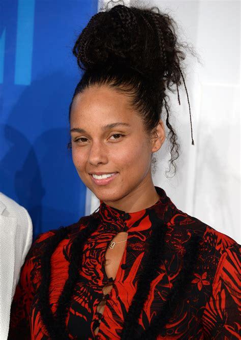 Alicia Keys MTV Music Awards 2016