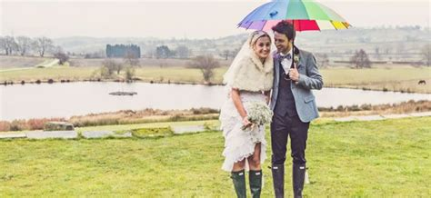 wedding wellies at the ready 10 top tips to beat rain your big day