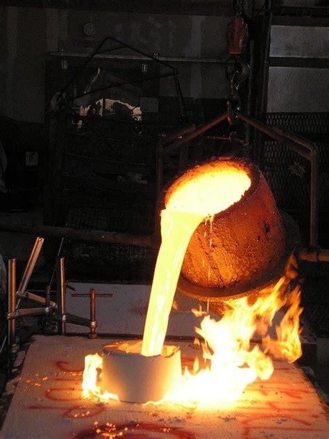 crucible foundry molten  photo  pixabay