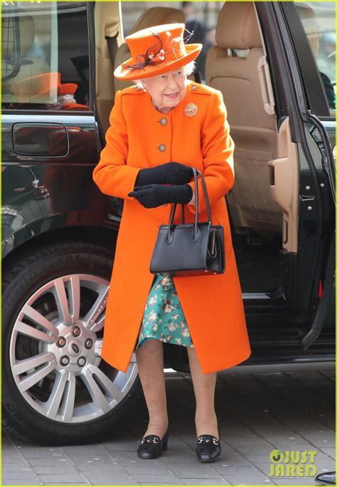 queen elizabeth posts    instagram picture
