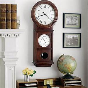 Ideas for modern interior decorating with large wall clocks