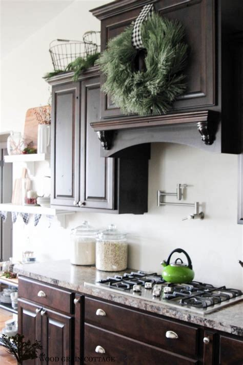 what color kitchen cabinets how to make a wreath from garland the wood grain cottage 7035