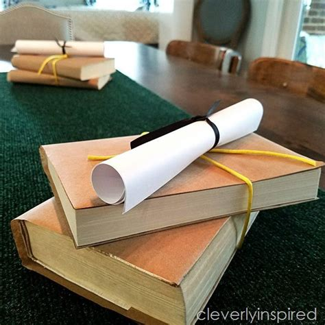 diy table runner ideas cheap centerpiece idea graduation décor diy