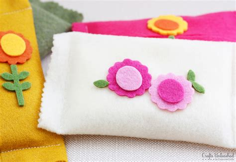 felt sheet craft ideas tissue holder tutorial make your own felt tissue pouches 4458