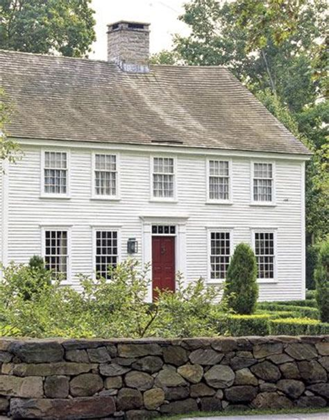 delightful small colonial homes les fen 234 tres se tiennent 224 carreaux floriane lemari 233