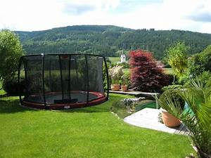 Trampolin Für Den Garten : jetzt im herbst den garten mit trampolin planen ~ Michelbontemps.com Haus und Dekorationen