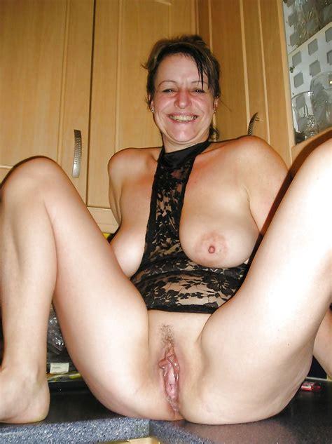 My Hot Mom Loves Exposing Her Hot Body Pics XHamster
