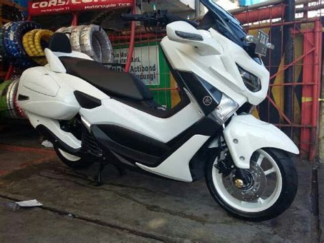 pin oleh agung budi prasetya di stuff to buy yamaha scooter yamaha motorcycles dan yamaha nmax