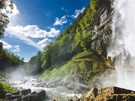 la vall 233 e et les cascades du h 233 risson menetrux en joux jura tourisme