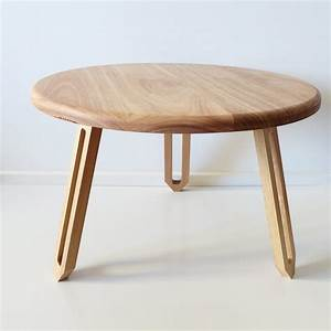 Furniture round coffee table ainove large round low for Low round wood coffee table
