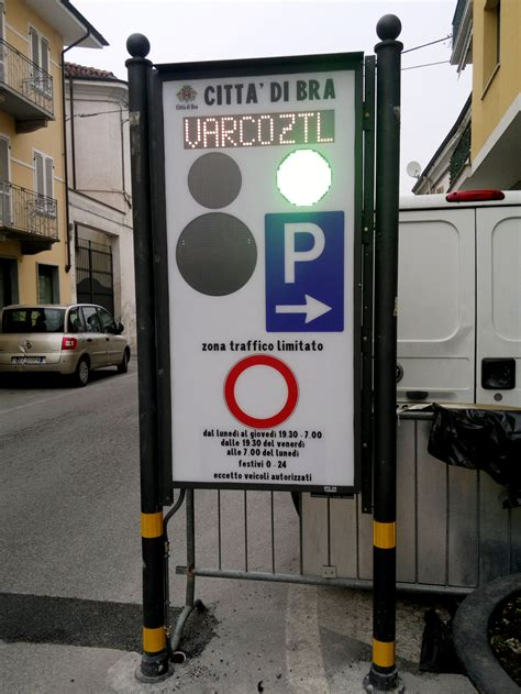Ufficio Ztl Torino by Led Light Technology Led Traffic Light Company Epsilon