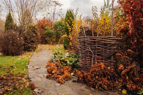 Gartenpflege Herbst by Gartenpflege Im Herbst Smarthands