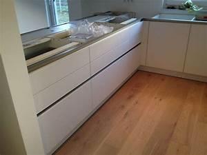 Besteckeinsatz Leicht Küche : grifflose k che mit glasfront fertiggestellte k chen ~ Sanjose-hotels-ca.com Haus und Dekorationen
