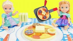 elsa and anna toddlers get pancakes velcro food - YouTube
