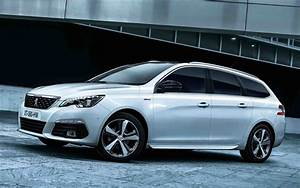 Download wallpapers Peugeot 308 SW, 2018, White wagon