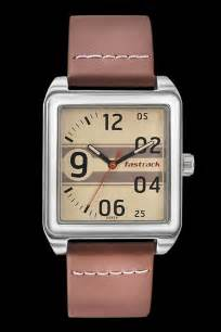 fastrack guys leather analog beige casual watches 3164sl01