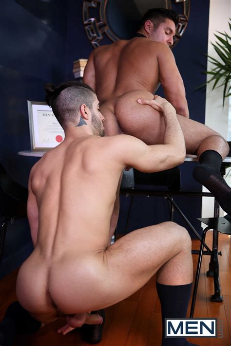 Diego Sans Pounds Seth Santoro's Ass With His Meaty Cock Leaving Puddles Of Cum All Over Nude