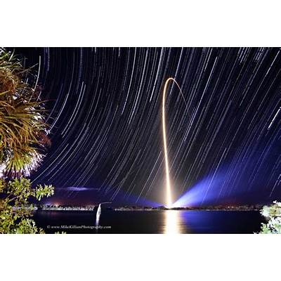 APOD: 2014 January 30 - Rocket Streak and Star Trails