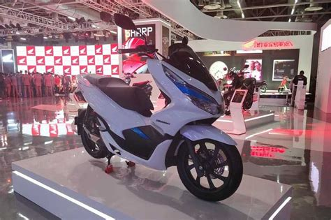 Pcx 2018 Detail by Honda Pcx Electric At Auto Expo 2018 Price Launch Details