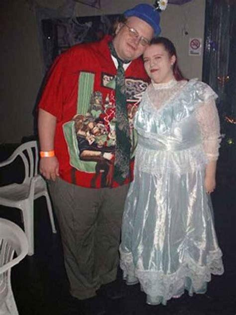 worst prom dress fails   history  proms  pics