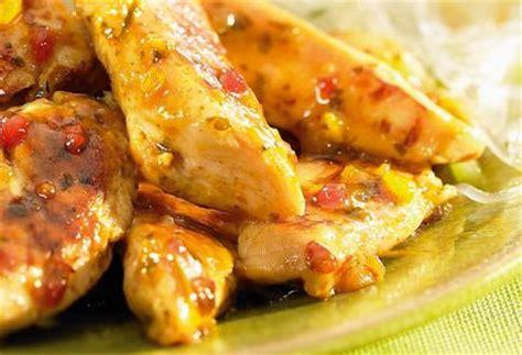 cuisiner des aiguillettes de poulet aiguillettes de poulet marinées à la thaï recettes