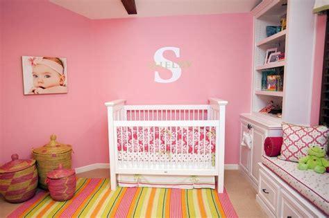 canapé chambre fille chambre bébé fille 50 idées de déco et aménagement
