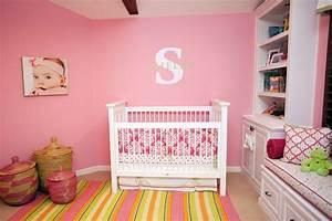 chambre bebe fille 50 idees de deco et amenagement With tapis enfant avec canape retractable