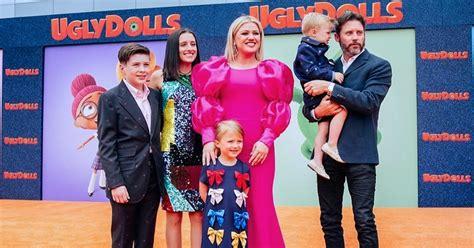 Kelly Clarkson Kids: Meet The