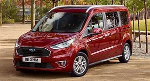 Grand Tourneo Connect : 2018 ford tourneo connect and courier gain new engines and modern tech carscoops ~ Maxctalentgroup.com Avis de Voitures