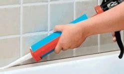 enlever silicone sur carrelage appliquer ou r 233 parer un joint silicone tout pratique