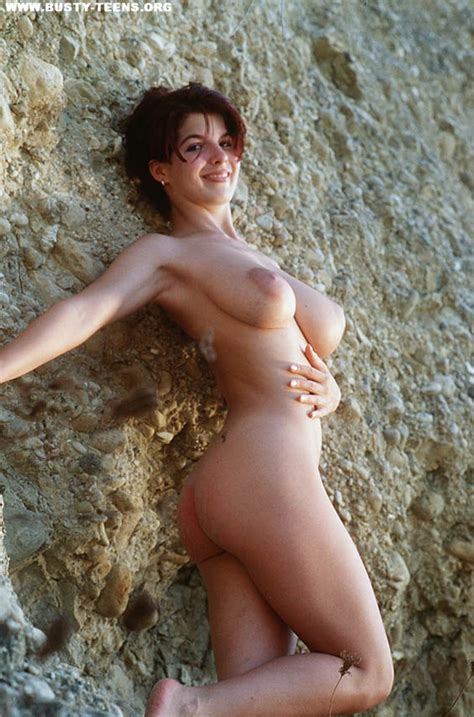 Busty Redhead Teen Poses Nude At The Beach Xxx Dessert Picture