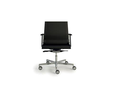 bureau cuir design fauteuil bureau design en cuir dossier bas nulite