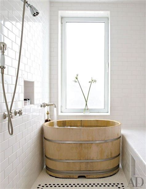 kamar mandi  gaya rustic modern  memikat