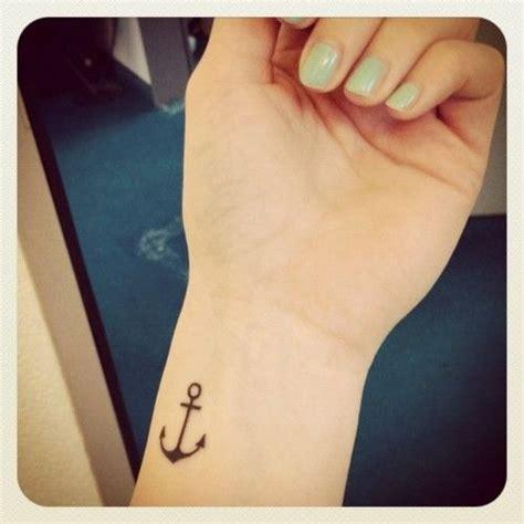 petite ancre marine tatoue moi pinterest tatouages d