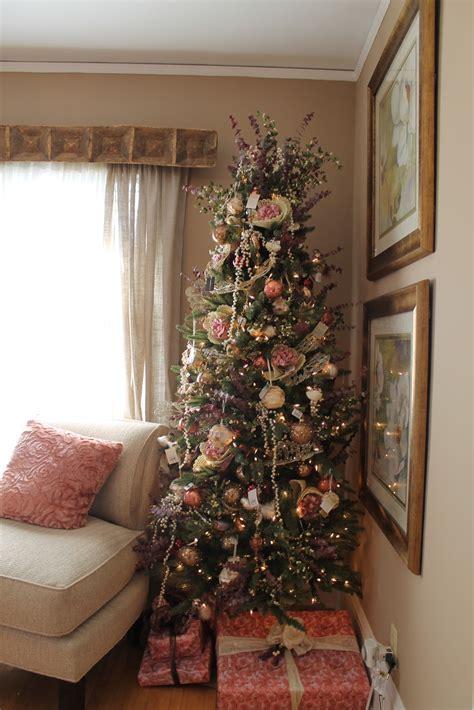 hammers  high heels holiday  idea house cozy