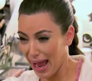 Emma Watson - Photos - Celebrities crying - NY Daily News
