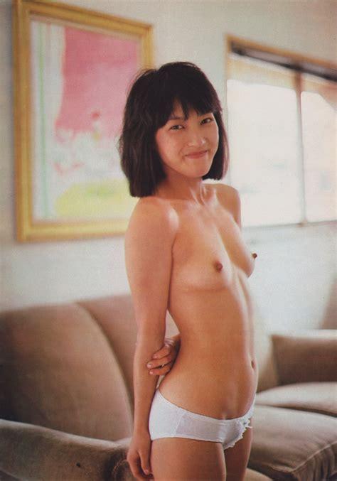 Satomi Reonaヌード投稿画像103枚and昭和女子小学生ポルノ写真 Free