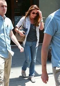 Diane Lane Pictures - Diane Lane Steps Out in NYC - Zimbio