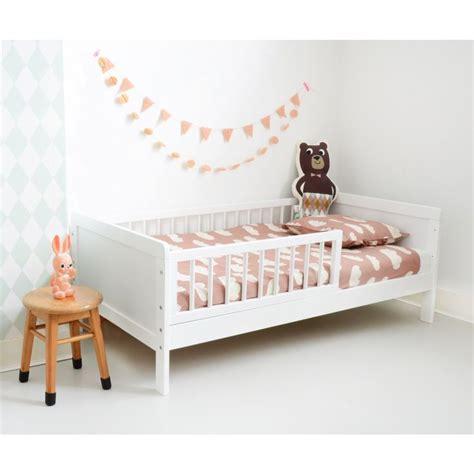 deco chambre boheme les 25 meilleures idées concernant lit enfant 2 ans sur