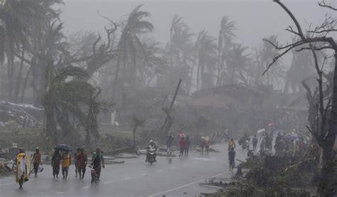 super typhoon haiyan aftermath   typhoon yolanda devastates philippines leaves trail