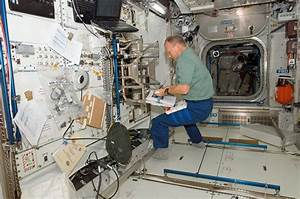 Why is the International Space Station always so cluttered ...